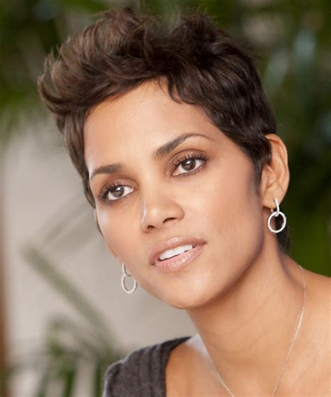 halle berry short straight chocolate hairstyle