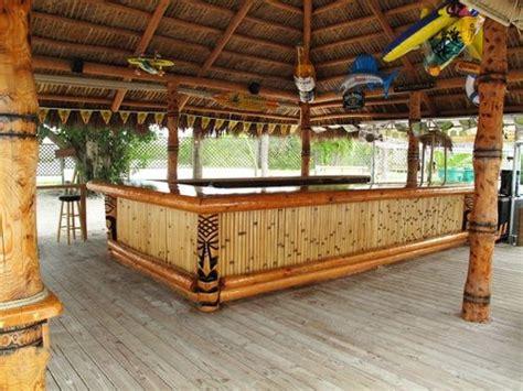 Tabletop Tiki Hut by Tiki Hut With Tiki Bar Tiki Bar Diy Outdoor