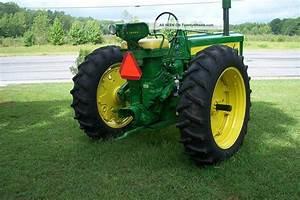 1956 John Deere 620 2wd Tractor