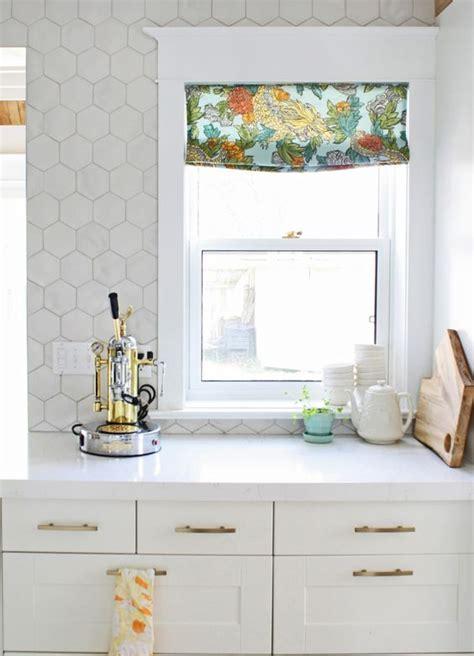 hexagon tile kitchen 36 eye catchy hexagon tile ideas for kitchens digsdigs 1614