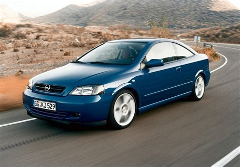 Opel Coupe by Opel Astra Coupe 2 2 16v Automatic 1 Photo And 47 Specs