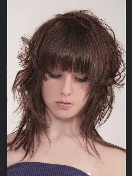 Frisuren Damen Halblang