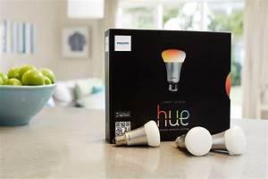 Hue Starter Kit : philips hue the smart lightbulb exclusively hitting apple stores on oct 30 ~ Orissabook.com Haus und Dekorationen