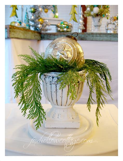 decorating  urns christmas edition fox hollow cottage