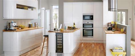 cuisine de r e cuisine blanc mat sans poignée cuisine blanche sans poign