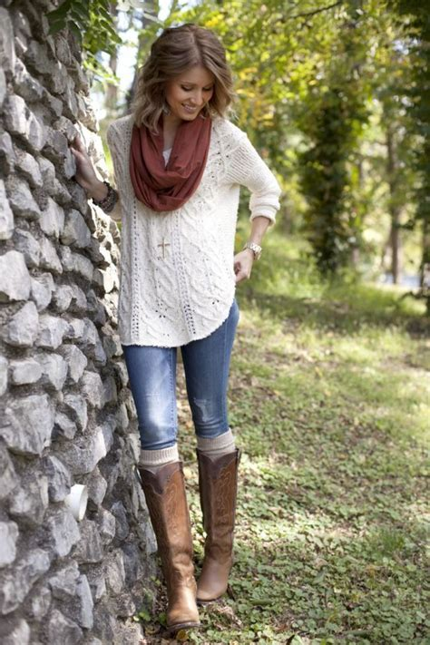 4 Simple But Stylish Thanksgiving Outfit Ideas  Glam Radar