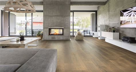flooring for kitchens ideas wheaton oak laminate flooring by pergo timbercraft the 3458