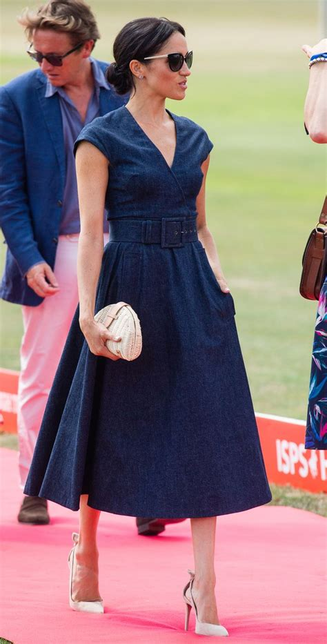 meghan markle  wore   bag  denim dress