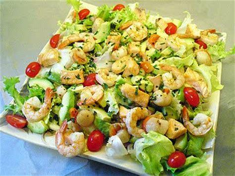 cuisiner les restes de poulet salade marine la recette facile par toqués 2 cuisine
