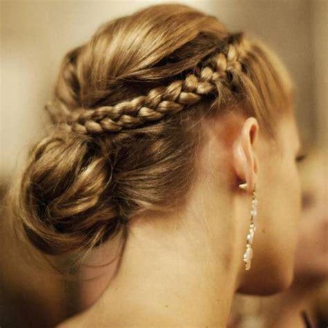 coiffure pour invitée mariage cheveux mi coiffure pour invit 233 de mariage cheveux mi