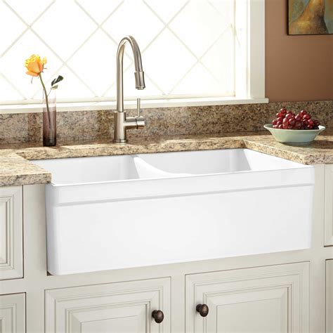 "33"" Fiammetta Double Bowl Fireclay Farmhouse Sink Belted"