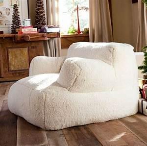 Gros fauteuil confortable idees de decoration interieure for Gros fauteuil confortable