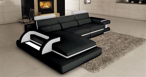 deco in canape d angle cuir noir et blanc design