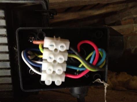 probl 232 me branchement projecteur ext 233 rieur