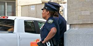 Female, male police officers' experiences on the job differ