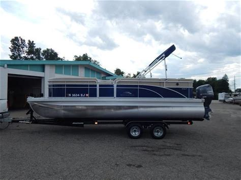 22 Bennington Pontoon Boat Weight by Bennington 22 Slx 2015 For Sale For 1 000 Boats From