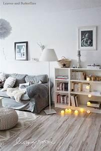 Sofa Nordischer Stil : dachwohnung im skandinavischen stil ~ Lizthompson.info Haus und Dekorationen