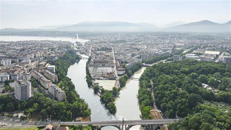 Urban areas in transition - EPFL