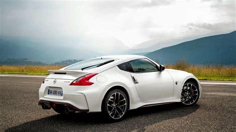 White Sport Car by White Nissan 370z Sport Car Wallpaper