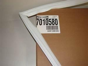 7010580 Sub Zero Refrigerator Gasket Low Pull  Fits 245 Series
