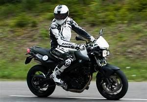 Moto Et Motard : un motard responsable est un motard qui s 39 quipe correctement le site suisse de ~ Medecine-chirurgie-esthetiques.com Avis de Voitures