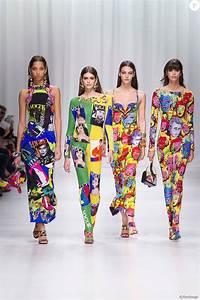 La Mode Est A Vous Printemps Ete 2018 : kaia gerber et vittoria ceretti d fil de mode printemps t 2018 versace lors de la fashion ~ Farleysfitness.com Idées de Décoration