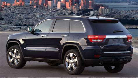 back of a jeep jeep grand cherokee 2011 back side pose in black wallpaper