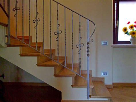 ringhiera in ferro battuto per scale interne bergamaschi serramenti parapetto per scale ringhiere in