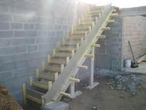 Coffrer Un Escalier Extérieur by Comment Construire Escalier Exterieur La R 233 Ponse Est Sur
