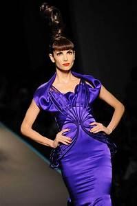 robe bleu electrique en satin de soie signee jean paul With robe bleu electrique zara