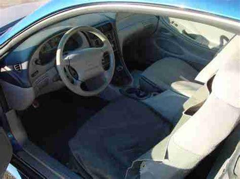 sell   ford mustang  door   manual  spd