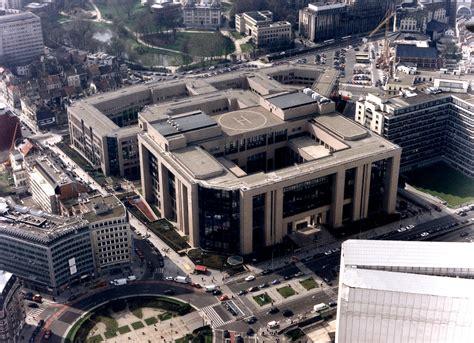 ou siege la commission europ馥nne vue aérienne du bâtiment justus lipsius du conseil de l 39 union européenne à bruxelles cvce website