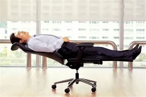 chaise de bureau design et confortable why a office chair prevents stress on your