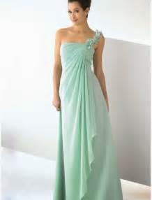 mint bridesmaid dress raining blossoms bridesmaid dresses choosing mint green bridesmaid dresses