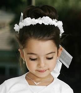 Couronne De Fleurs Mariage Petite Fille : coiffure communion 60 id es g niales pour les petites demoiselles ~ Dallasstarsshop.com Idées de Décoration