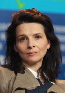"""Juliette Binoche Photos Photos - """"Elles"""" Press Conference ..."""