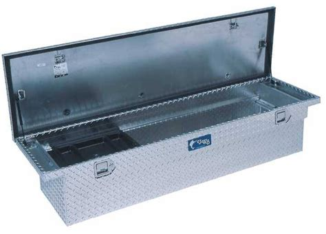 uws truck tool box      aluminum diamond plate single lid