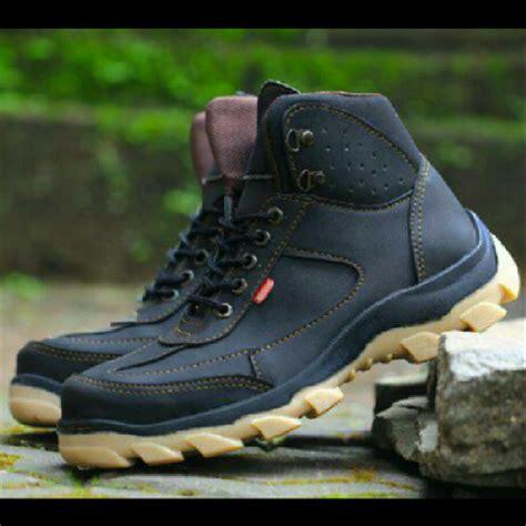 jual sepatu kickers boots safety ujung besi kerja hayking sehari hari di lapak bandung sepatu