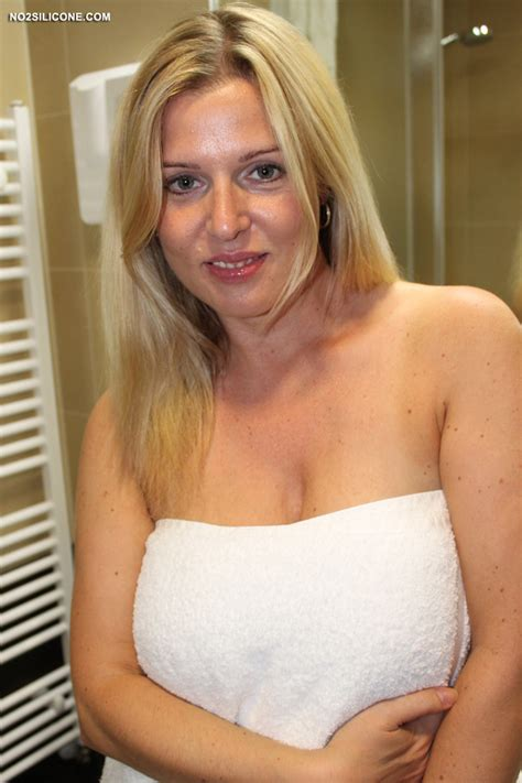 No2silicone Busty Britney Hot Stunning Amateur With Big Boobs Exclusive Content Nude Gallery