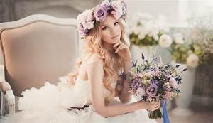 Couronne De Fleurs Mariage Petite Fille : coiffure mariage 2017 avec couronne ~ Dallasstarsshop.com Idées de Décoration