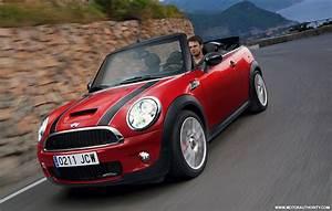 Mini Cooper Cabrio : video mini john cooper works cabrio hits rallye monte carlo ~ Maxctalentgroup.com Avis de Voitures