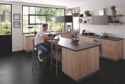 cuisine ac plus cuisine équipée industrielle avec îlot trend bois