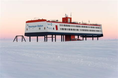 Forschungsstation In Der Antarktis by Risse Im Antarktiseis Deutsche Forschungsstation Nicht