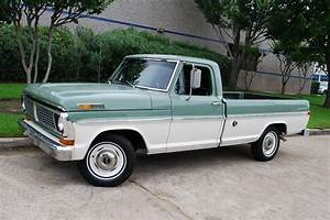 1970 Ford F-100 Custom Sport Pickup