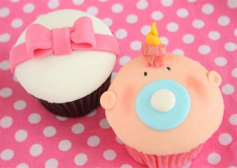 cupcake et pate a sucre l atelier cupcakes et p 226 te 224 sucre paperblog
