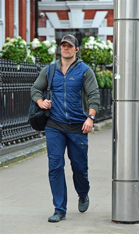 Henry Cavill in a Brown Cap Was Seen in Central London ...