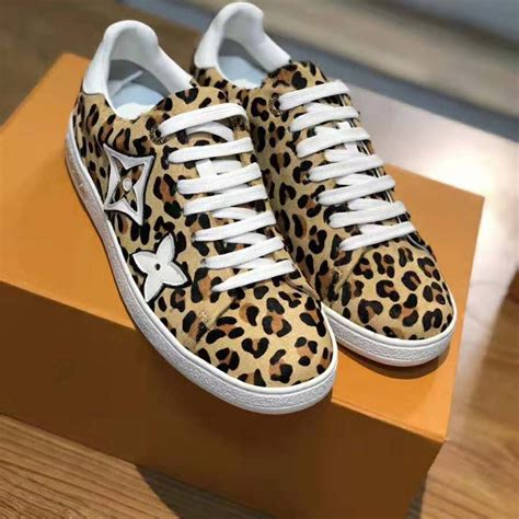 louis vuitton lv women frontrow sneaker  pony styled calf leather brown lulux