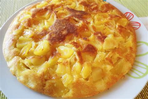 poele pour cuisiner gâteau aux pommes à la poêle manger méditerranéen