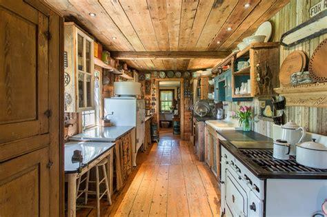 century farmhouse filled  wood  antiques asks
