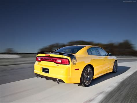 Dodge Charger 2012 by Dodge Charger Srt8 Bee 2012 Car Wallpaper 03